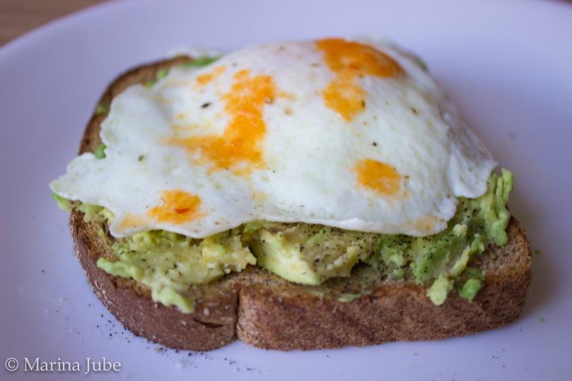 Avocado Toast w/ Egg | Sunkissed